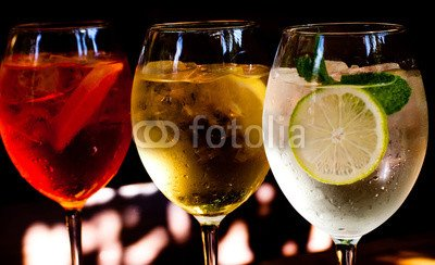 Wunschmotiv: Cocktails: aperol spritz, sprizz (spriss), Martini royale. (dark background). Sparkling wine. Champagne. #102400137 - Bild hinter Acrylglas - 3:2-60 x 40 cm/40 x 60 cm - Royales De Champagne