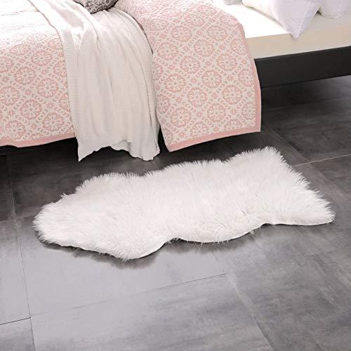 Icasso tappeto di pelliccia pecora, pelo sintetico morbidissimo, lungo 6 cm e molto morbido, bel colore molto caldo, ottima qualità 100 x 60 cm - bianco avorio