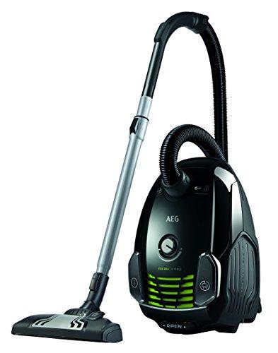 AEG VX6-1-ÖKO Staubsauger mit Beutel EEK A (700 Watt, inkl. Hartbodendüse, 9 m Aktionsradius, Softräder, 3,5 Liter Staubbeutelvolumen, Hygiene Filter E12) Schwarz/Grün
