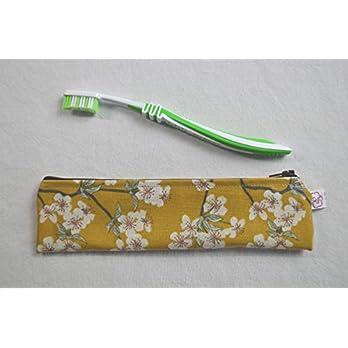 Zahnbürsten-Tasche Kirschblüten auf Ocker