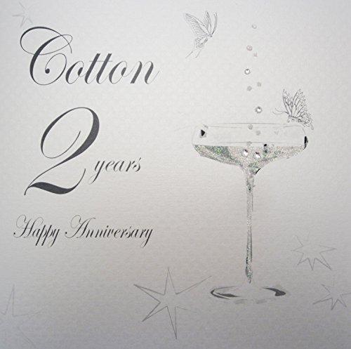 WHITE COTTON CARDS Glückwunschkarte zum 2. Hochzeitstag (Thema: Baumwolle) BD102 (in englischer Sprache), mit Champagnerglas-Motiv, handgefertigt, Weiß