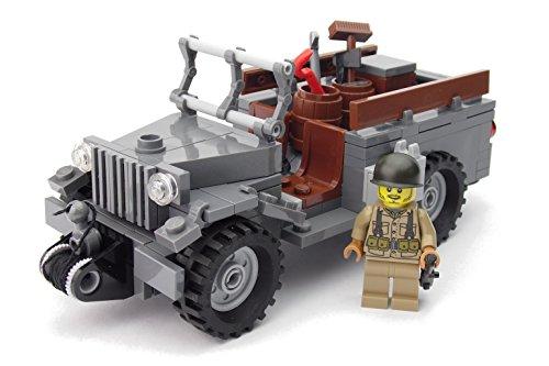 Amerikanischer Jeep WC-51 mit Figur | WW2 US Soldat mit BrickArms Custom Zubehör | Bausatz mit Anleitung aus BAU-Steinen
