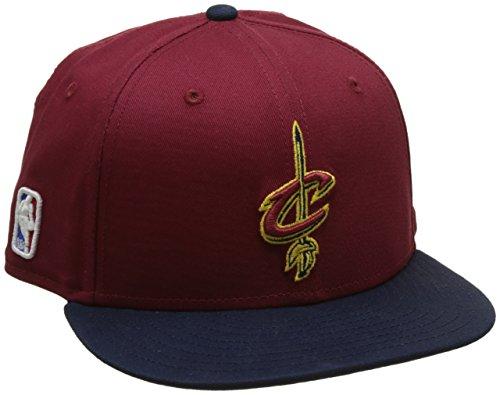 - Team Farbe Ausgestattet Hut (New Era Jungen Nba Snap Cleveland Cavaliers Offical Team Baseball-Cap, Mehrfarbig (Rot/Blau), FR : SM (Taille Fabricant : SM))