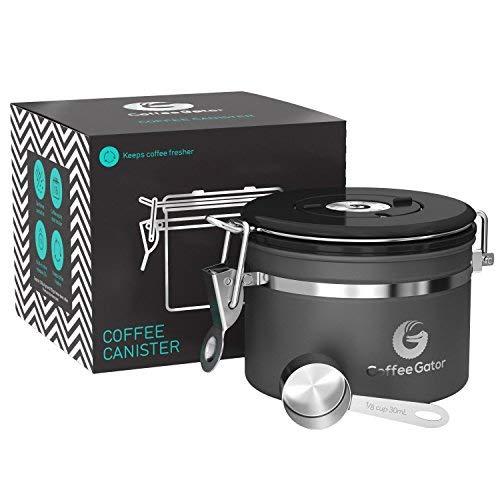 Coffee Gator-Edelstahl-Kaffeedose - Hält gemahlener Kaffee und Bohnen länger frisch - Behälter mit Datumsverfolgung, CO2-Freigabeventil und Messlöffel (Klein, Grаu)