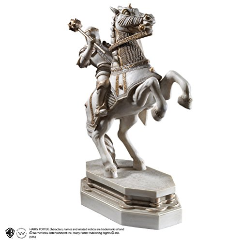 La noble colección White Knight Bookend