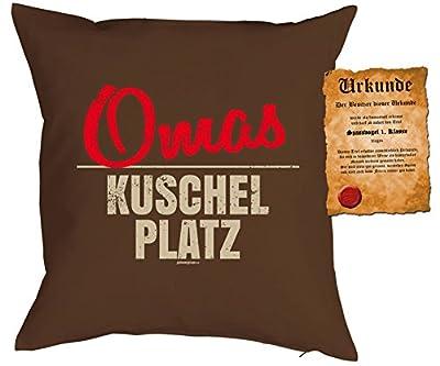 Geschenk für Oma Kissen mit Füllung und Urkunde Omas Kuschel Platz Polster für Oma Geburtstagsgeschenk Weihnachtsgeschenk Großmutter Omi von Mega-Shirt auf Gartenmöbel von Du und Dein Garten