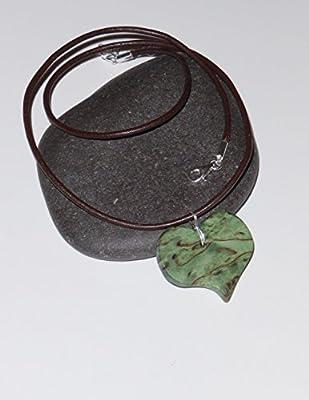 Pendentif femme coeur en Bouleau de Carélie vert. Collection Les Romantiques.