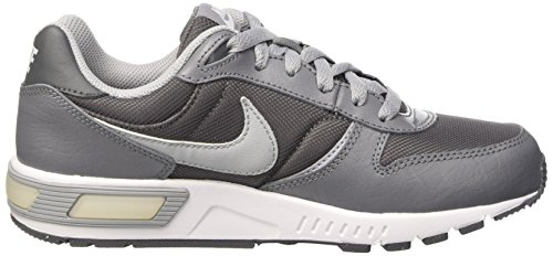 Nike Nightgazer (Gs), sneaker garçon Multicolore - Gris / Blanco (Cl Grey / Wlf Gry-Drk Gry-White)