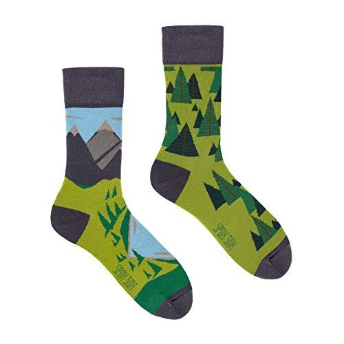 Spox Sox Casual Unisex - mehrfarbige, bunte Socken für Individualisten, Gr. 44-46, Hinter den sieben Bergen