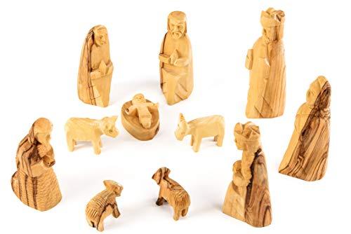 Personaggi del presepe stile semplice & puro. set da 11 pezzi. altezza delle figure erette circa 10 cm. i personaggi sono in legno d'ulivo ed intagliati a mano a betlemme.