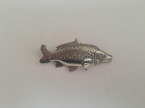F36Spiegel Karpfen feines englisches Zinn Fisch Anstecker mit einem prideindetails Geschenk-Paket