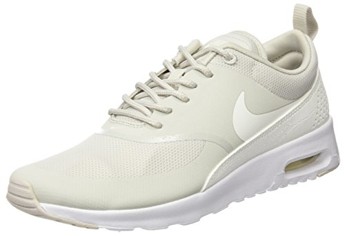 NIKE Damen Air Max Thea Gymnastikschuhe, Beige (Light Bone/sail/White), 40 EU