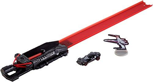 Hot Wheels - Star Wars - Blast & Battle Lightsaber Launcher - Darth Vader - Fahrzeug und Pullback-Rennstrecke