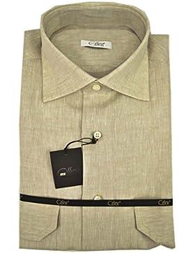 El hombre de la camisa de Lino P