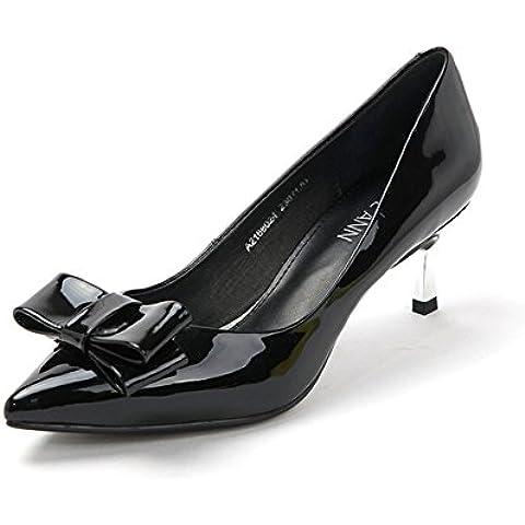 Resorte de patentes bombas puntiagudas/De metal con/Finos zapatos de mujer