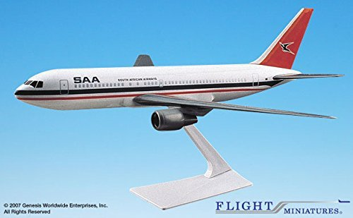 south-african-airways-767-200-airplane-miniature-model-plastic-snap-fit-1200-part-abo-76720h-007
