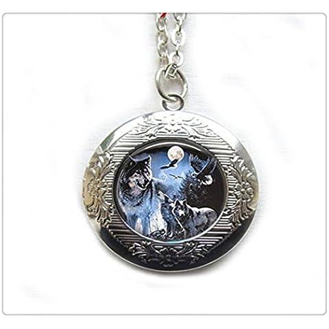 Lupo Medaglione.Full Moon Art medaglione jewelry. Lupo Medaglione. Wolf Pendant. Luna piena. Ciondolo a forma di luna piena