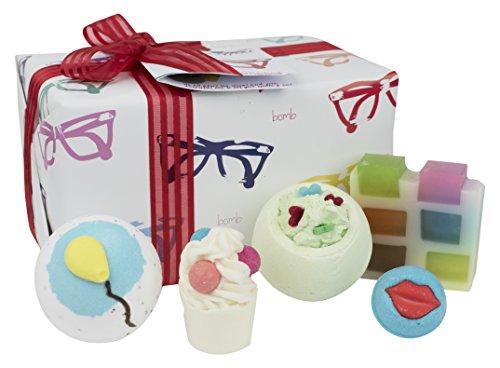 9b5e41c3ab504 Bomb Cosmetics con el atractivo hecho a mano regalo pack
