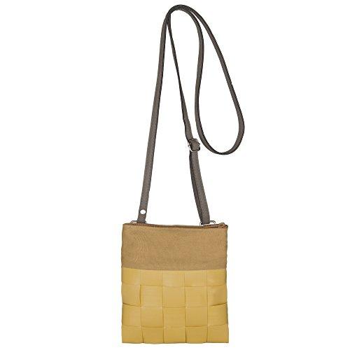 Preis am Stiel Geflochtene Umhängetasche Handmade curry   Schultertasche   Tasche   Shopper   Damentasche   Accessoires Damen   Handarbeit   Recycling   Flechttasche   nachhaltig