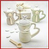 Zuccheriere a forma di caffettiera in porcellana lucida colorata con cucchiaino bomboniere matrimonio anniversario utili, completa di scatola regalo DIM. GRANDE (con confezione panna)