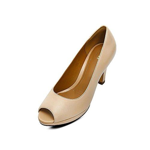 Clarks Damen Smart Clarks Delsie Britta Leder Schuhe in Nude Hautfarben