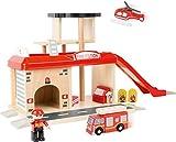 small foot 10798 Feuerwache mit Zubehör, darunter ein Feuerwehrauto, Feuerwehrmann und ein...
