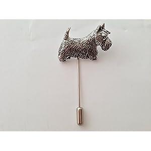 D18Schottische Terrier feines englisches Zinn Motiv auf einem Krawattennadel Stick hat Schal Halsband Fell