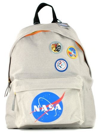 rucksack-nasa-badges