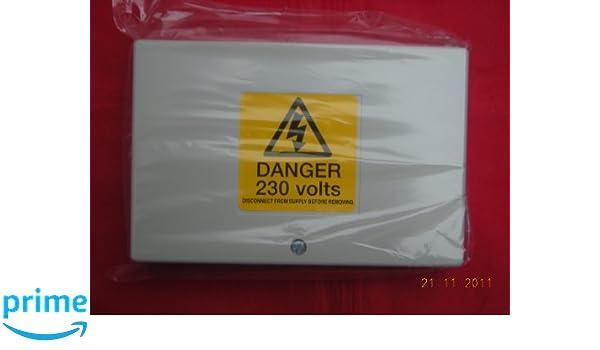 Brilliant Acl Drayton Lwc3 12 Way Junction Box Wiring Centre Amazon Co Uk Wiring 101 Olytiaxxcnl