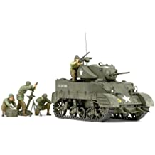 Tamiya 300035313 WWII US M5A1 Leicht Panzer - Tanque de la 2 Guerra Mundial en miniatura con mortero y 4 figuras (escala 1:35)