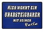 Shirtee Hier wohnt ein Unabsteigbarer mit seiner Perle | HAMBURG ERSTKLASSIG NIEMALS 2.LIGA - Fußmatte