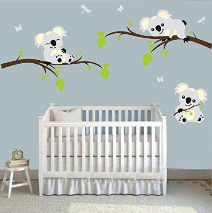 mafent Drei Lovely Koalas sind Spielen auf Baum Zweige Vinyl Wandtattoo mit Schmetterling und Libelle Art Wand für Raum Dekoration (Baum-schablone Für Die Wand)