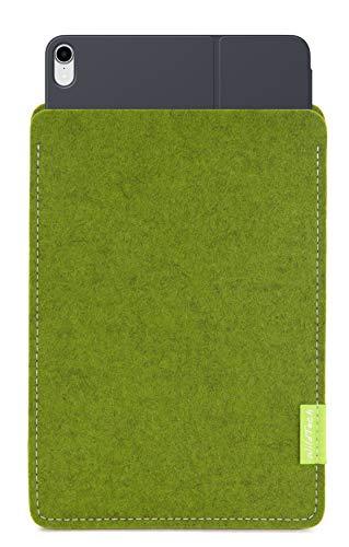 WildTech Sleeve für Apple iPad Pro 11 (2018) geeignet für Smart Keyboard Folio (extra breit) Hülle Tasche aus echtem Wollfilz (Handmade in Germany) - Farn -