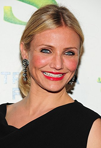 Cameron Diaz (Wearing Lanvin Earrings) At Arrivals For Shrek Forever Premiere At Tribeca Film Festival Photo Print (40,64 x 50,80 cm)