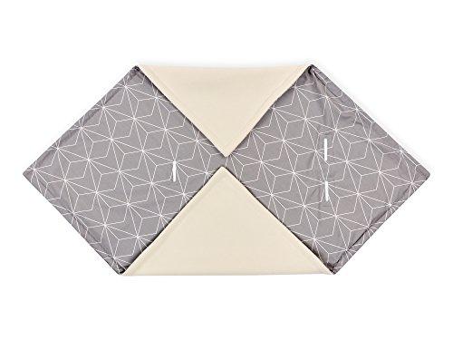 Diamante Decke (KraftKids Einschlagdecke für Babyschale in weiße dünne Diamante auf Grau, 75 x 75 cm große Baby-Decke, flauschig warme Fleece-Decke)
