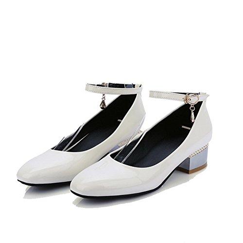 AgooLar Damen Lackleder Quadratisch Zehe Niedriger Absatz Schnalle Rein Pumps Schuhe Cremefarben