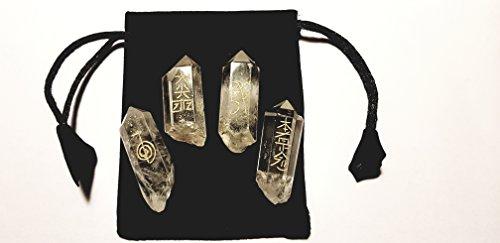 4 Bergkristall Bruchspitzen mit eingravierten Reiki Schriftzeichen und Säckchen