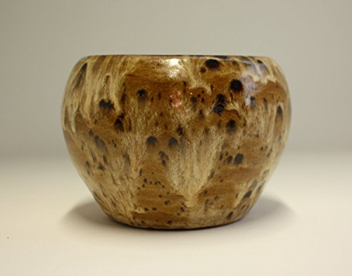 beautiful-hand-made-ceramic-vase-with-variegated-brown-glazes