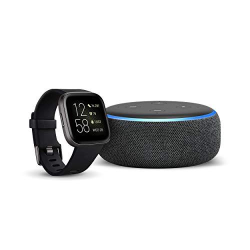 Fitbit Versa 2 - Gesundheits- und Fitness-Smartwatch Schwarz/Carbon + Echo Dot (3. Gen.) Intelligenter Lautsprecher mit Alexa, Anthrazit Stoff