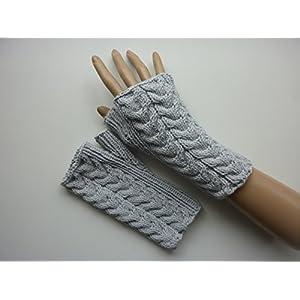 Armstulpen Hellgrau mit Tulpen-Zopfmuster aus Baumwolle handgestrickt