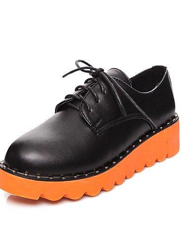 ZQ hug Scarpe Donna-Sneakers alla moda-Tempo libero / Casual / Sportivo-Comoda / Punta arrotondata-Plateau-Finta pelle-Nero / Beige , black-us8 / eu39 / uk6 / cn39 , black-us8 / eu39 / uk6 / cn39 beige-us7.5 / eu38 / uk5.5 / cn38