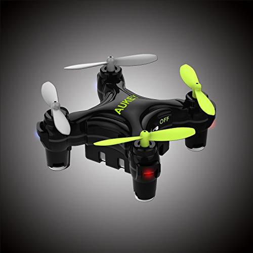 AUKEY Mini Drone, Quadricottero con Tasto Unico per Atterraggio & Decollo, Altitudine Fissa Intelligente, 3 Velocità (UA-P01)