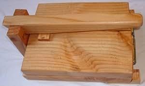 Presse à tortillas en bois