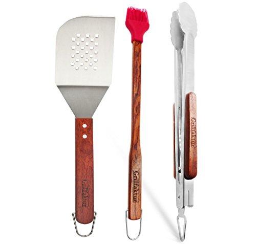 Grillfaktur® hochwertiges Grillbesteck-Set NO.1 Lange Edelstahl Grillzange (45 cm) und Grillwender (38 cm) + Grillpinsel (42 cm) mit Silikonborsten - Grillzubehör Geschenk Set für Männer