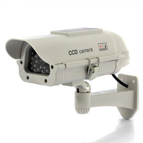 Resumen:  Cámara CCTV con carcasa de plástico exterior y equipada con (falsos) ledes IR. del panel solar Poderes el indicador LED parpadea continuamente durante el día. Baterías recargables opcionales (no incluidas), se pueden colocar para que el led...