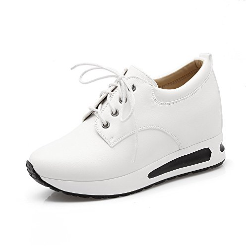AllhqFashion Damen Pu Leder Mittler Absatz Rund Zehe Eingelegt Schnüren Pumps Schuhe Weiß