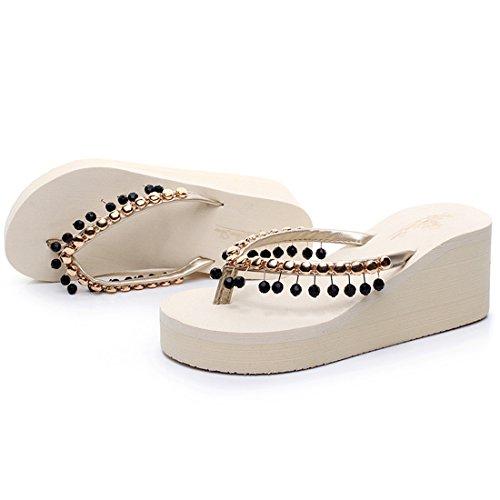 Vertvie Femme Boho Été Tongs Perles Chaussons Pantoufles à Talon Haut Compensée Sandales de Plage Maison Antidérapant Beige + Noir Perle