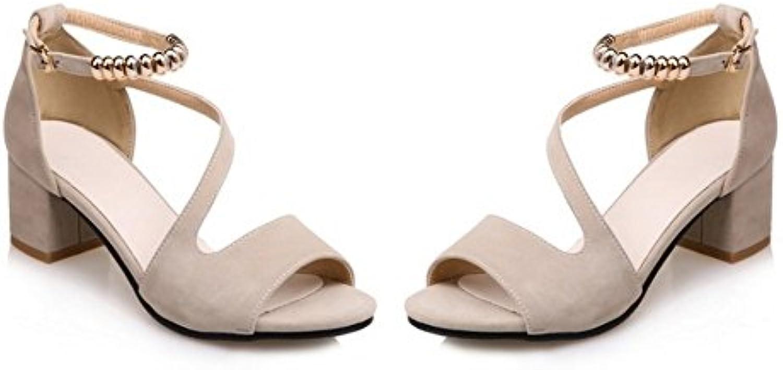 Las Sandalias en Verano y en la Moda Muestran la Marea Grande y Gruesa del Maratón. Color Albaricoque, Treinta... -