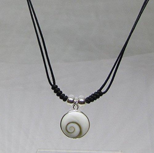 collier-cordon-noir-en-argent-surmonte-doeil-de-sainte-lucie-rond
