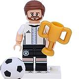 Lego 71014 Minifigur - DFB - Die Mannschaft: #2 Shkodran Mustafi mit Pokal